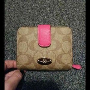 Coach med zip around wallet